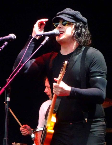 04 jack white of the raconteurs